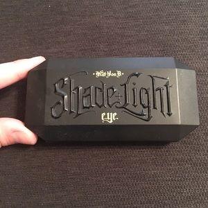 NWOT Kat Von D Shade and Light mini eye palette